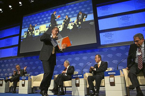 اردوغان به نشانه اعتراض، نشست داووس را ترک کرد